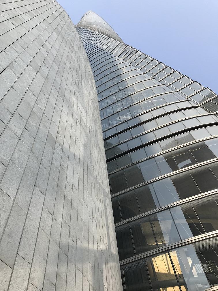Granito Cotton Motion da Thor Granitos no Shanghai Tower, maior prédio da China!
